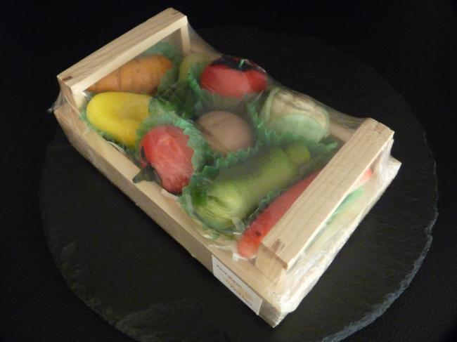 pate d 39 amande en legume dans une cagette cgourmand. Black Bedroom Furniture Sets. Home Design Ideas